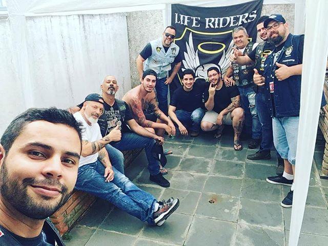Ontem teve churras na casa do Judeu!!! Reunir os irmãos pra tomar uma gelada e dar muita risada, não tem preço! This is Life Riders