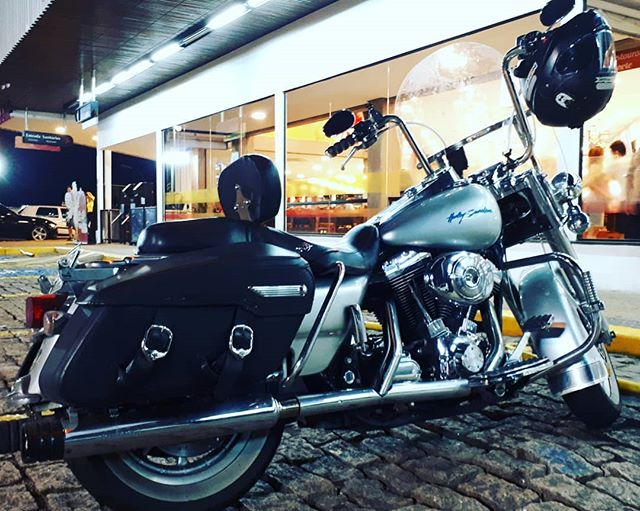 Judeu rodando por aí dia desses… Estrada a noite é uma delícia! Mas tem que redobrar a atenção! This is Life Riders